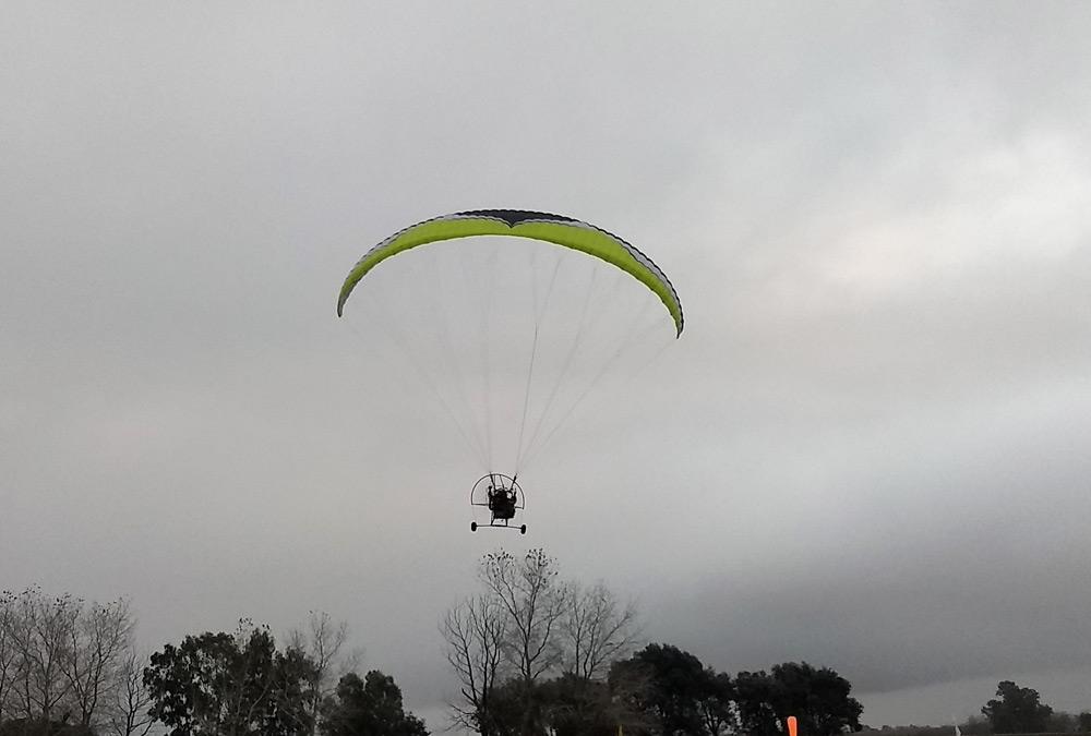 Volando en paratrike sobre Cañuelas