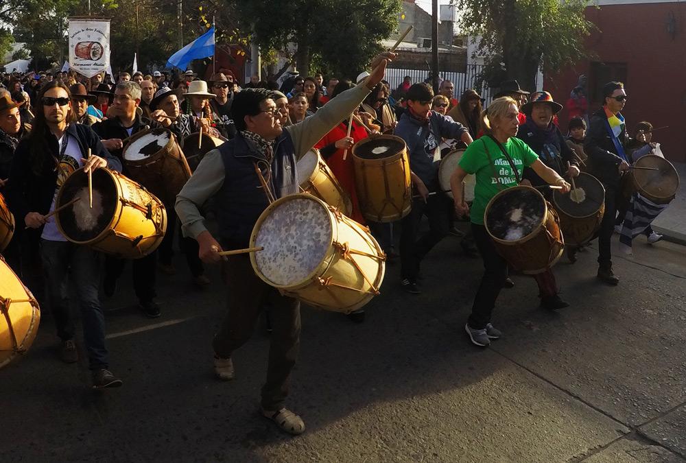Los Bombos hacen vibrar a Santiago del Estero