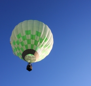 Volar en globo hacia todos y ningún lugar