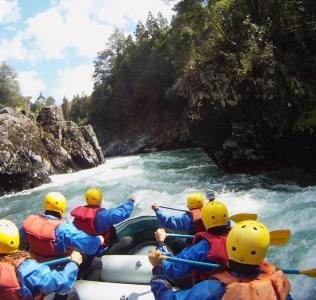 Desafiando al no tan manso Río Manso